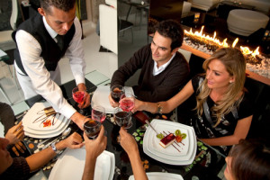 Tips to eat healthy while dining out